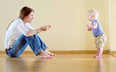 child learning to walk: early intervention